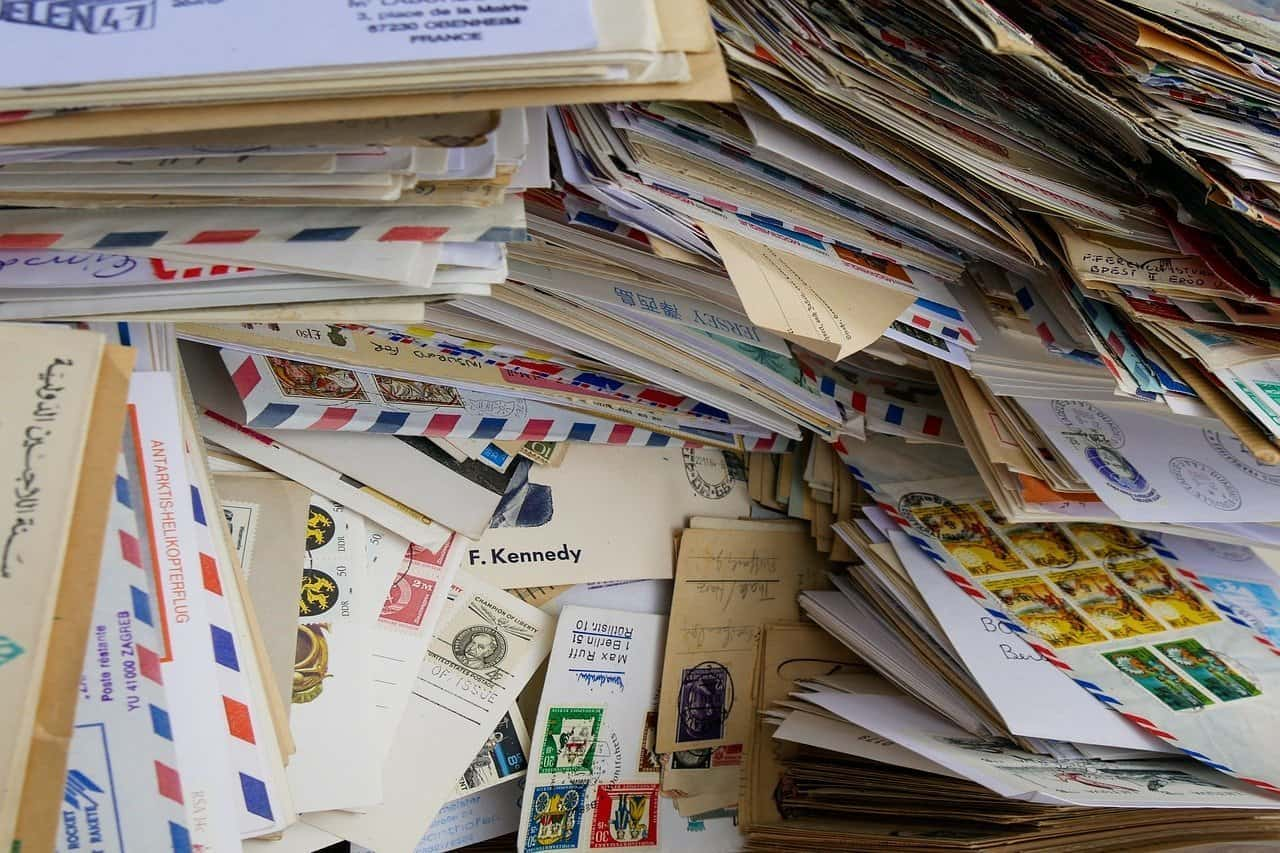 this is a picture Lots of open letters for an article titled How Direct Mail Marketing Helps You Stay Ahead By Octopus Intelligence. Solving problems with Competitive Intelligence, common sense and market analysis