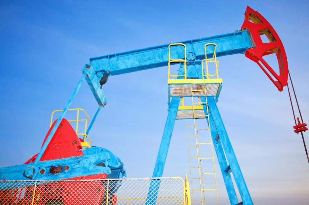 This is a picture a childrens climbing frame shaped as an oil rig for an article called How Competitive Intelligence Revealed a New Market For an Oil & Gas Client by Octopus Competitive Intelligence Competitor Analysis focused on creating certainty